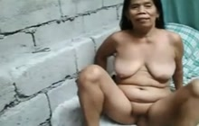 Mature Filipina on webcam