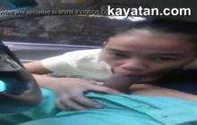 Teen Filipina sucks in the car